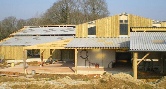 Charpente construction bois bidaud sarl for Architecte batiment agricole